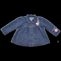 kislány kék farmerkabát