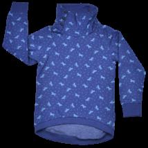 Kislány melegítőfelső kék színben.