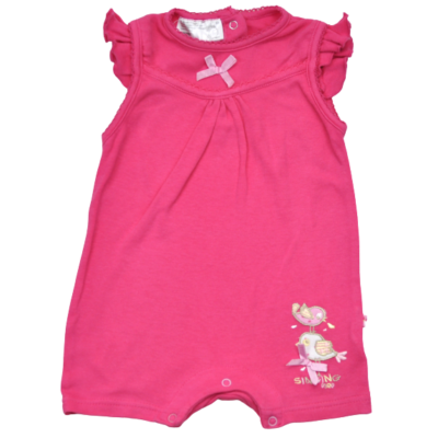 Kislány 68-as rózsaszín napozó.